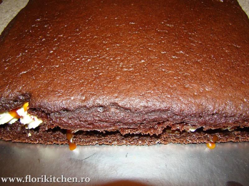 prajitura-cu-crema-de-ciocolata-branza-si-nuca01