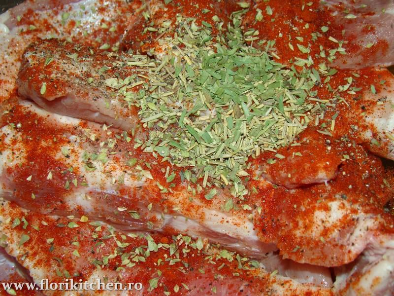 Coaste-de-porc-cu-sos-de-rosii02