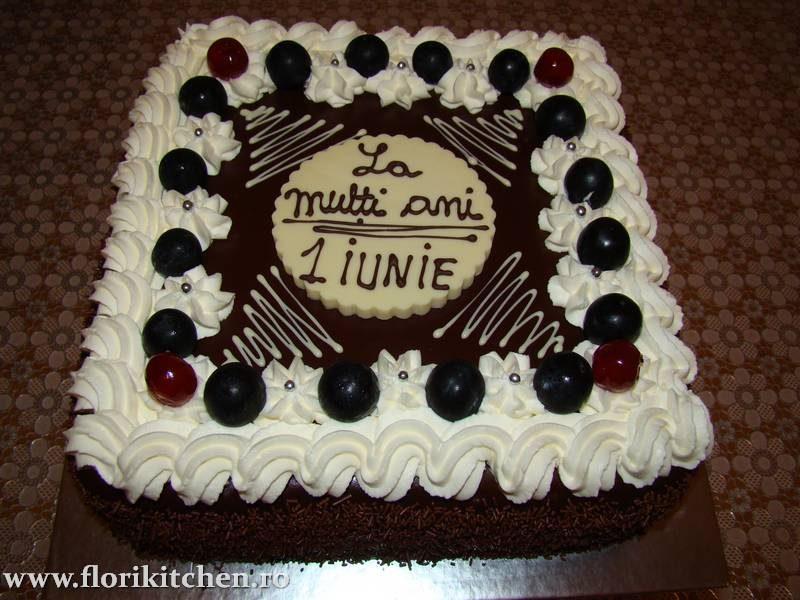 Tort-de-ciocolata-cu-frisca05